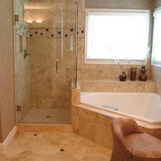 Traditional Bathroom by B INTERIORS