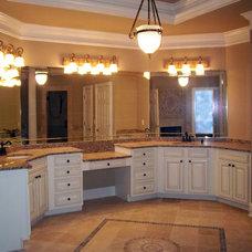 Traditional Bathroom by Atlanta Legacy Homes, Inc.
