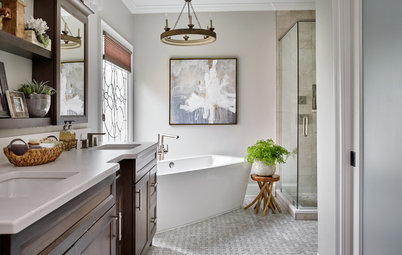 Before and After: Bathroom Keeps Layout but Gets a Whole New Look