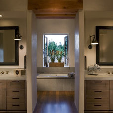 modern bathroom by Saint Dizier Design