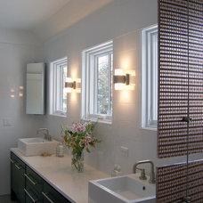 Farmhouse Bathroom by Becker Architects Limited