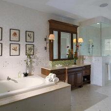 Tropical Bathroom by Alvarez Homes