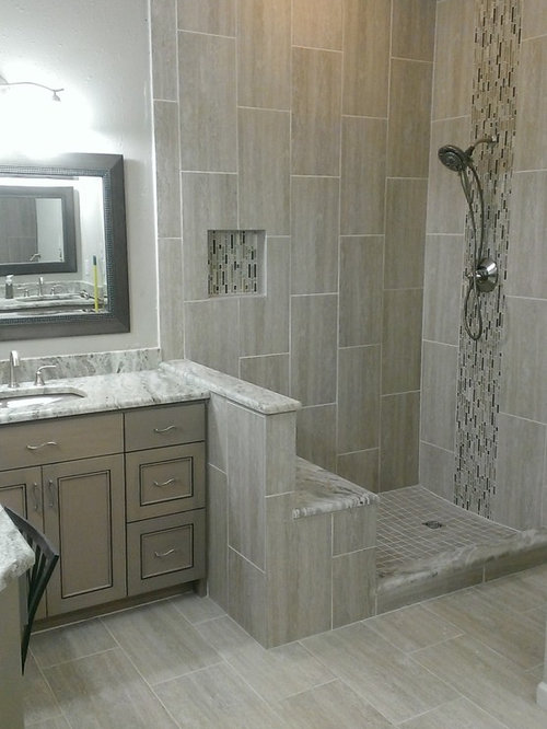 Mid Sized Trendy Master Gray Tile And Porcelain Tile Porcelain Floor Corner  Shower Photo In