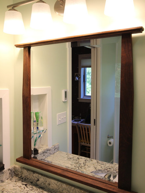 28 Bath with a Corner Tub and Green Cabinets Design Ideas & Remodel Pictures | Houzz