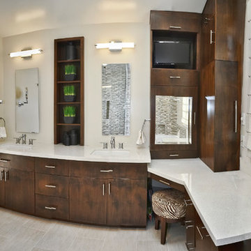 Master Bathroom Double Sinks and Make-up Vanity