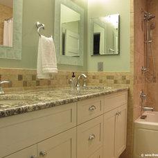 Traditional Bathroom by Design Freedom, inc.