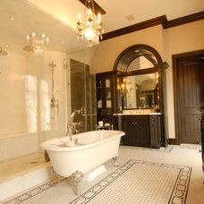 Traditional Bathroom by Elias Benabib, Corp.