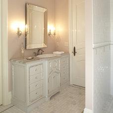 Bathroom by Hendel Homes