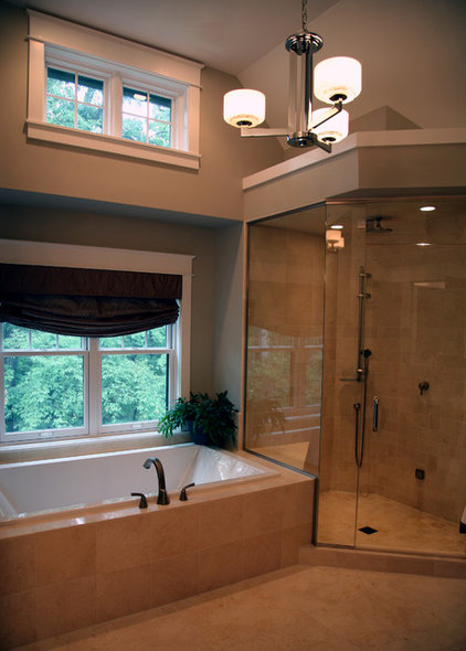 Bathroom by Interior Changes home design