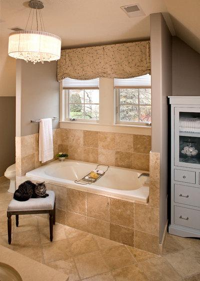 Классический Ванная комната by INVIEW Interior Design