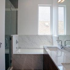 Contemporary Bathroom by john joyce architects, inc.