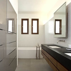 Modern Bathroom by Laidlaw Schultz architects