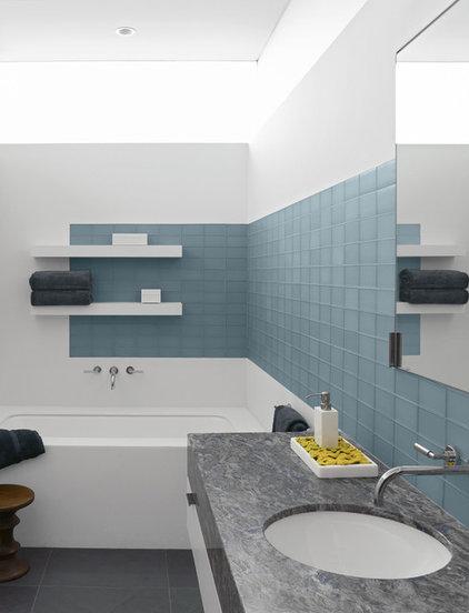 Modern Bathroom by Laidlaw Schultz architects