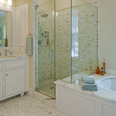 Traditional Bathroom by Melville Thomas Architects, Inc.