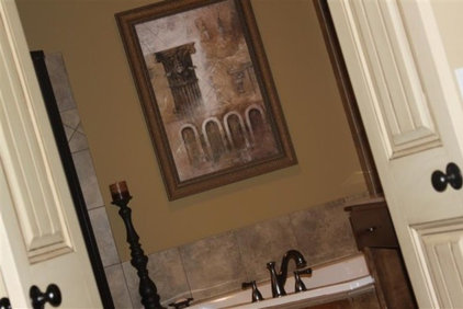 Traditional Bathroom by O and C's Residence