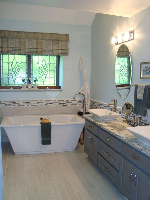 Beach style chicago bathroom design ideas remodels photos for Bath remodel gurnee