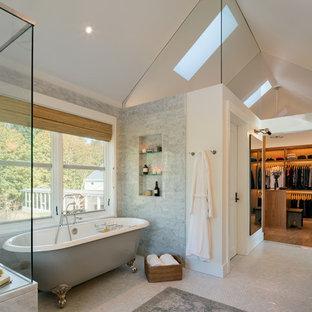 На фото: большая главная ванная комната в стиле кантри с ванной на ножках, белыми стенами, полом из мозаичной плитки, белым полом, угловым душем, серой плиткой, мраморной плиткой, мраморной столешницей, душем с распашными дверями, фасадами с филенкой типа жалюзи и темными деревянными фасадами с