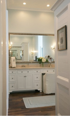 Best Sit Down Vanity Design Ideas Amp Remodel Pictures Houzz