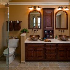 Contemporary Bathroom by Harth Builders