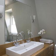 Modern Bathroom by studiohw | Heather Weiss