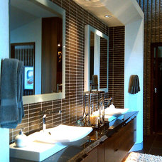 Contemporary Bathroom by Wintercreative Interior Design : Maika Winter ASID