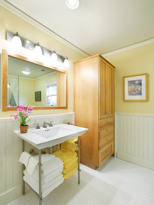 70 Yellow Bathroom with Subway Tile Design Ideas & Remodel Pictures | Houzz