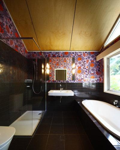 コンテンポラリー 浴室 by Skyring Architects
