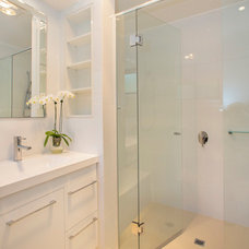 Modern Bathroom by GIA Bathroom & Kitchen Renovations