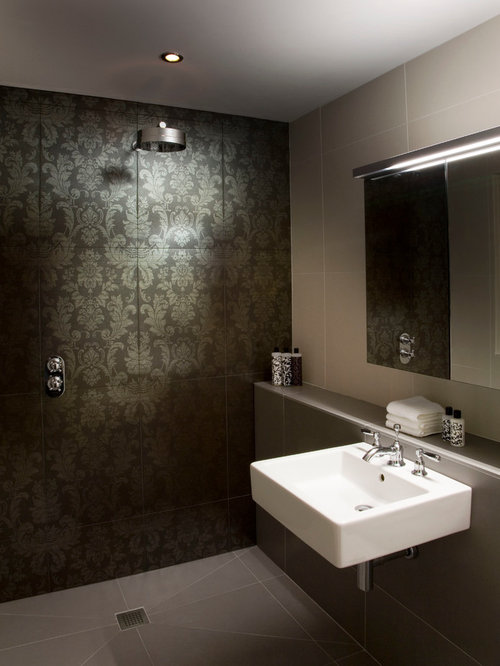 Eclectic ensuite bathroom design ideas renovations photos with a walk in shower - Eclectic bathroom ...