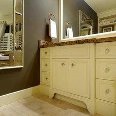 Bathroom by Veranda Estate Homes & Interiors
