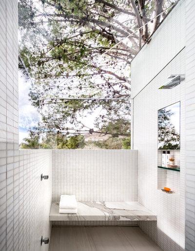 Moderno Stanza da Bagno by studio bracket