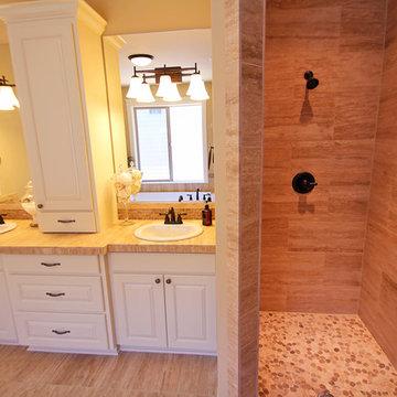 Master Shower + Vanities - The Ridgeback - Craftsman Ranch with Daylight Basemen