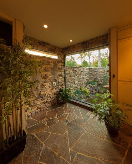 Tropical Bathroom by McSpadden Custom Homes