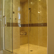 Traditional Bathroom by Follyn Builders & Developers