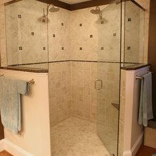 Traditional Bathroom by David Tyson & Associates Inc.