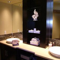 Contemporary Bathroom by Rochelle Lynne Design