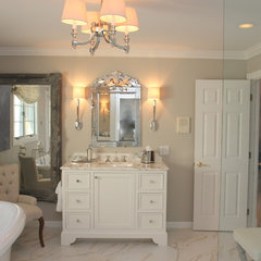 traditional bathroom by Elizabeth Reich