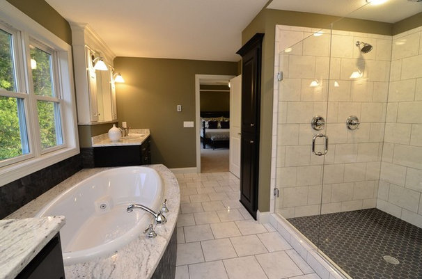 Traditional Bathroom by Gonyea Homes & Remodeling
