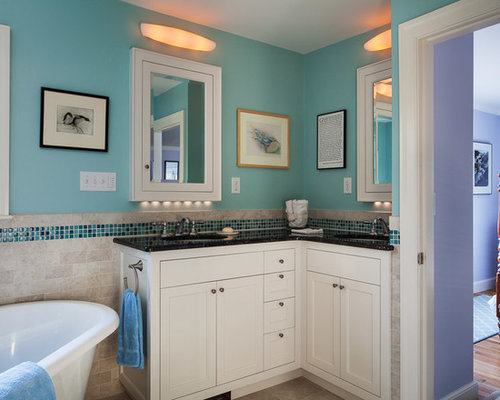 Example Of A Mid Sized Classic 3/4 Blue Tile And Mosaic Tile Ceramic