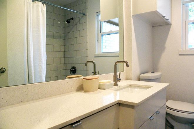 Midcentury Bathroom by Sarah Greenman