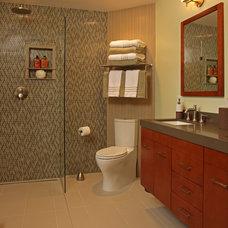 Modern Bathroom by Murphy Bros. Designers & Remodelers