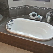 Traditional Bathroom by Calgary Bathworks