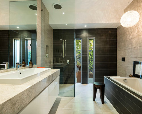 Main bathroom home design ideas pictures remodel and decor for Main bathroom designs