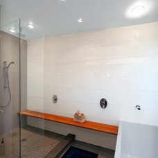 Modern Bathroom by Thorsen Construction