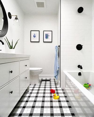 Contemporary Bathroom by Murdock Construction, Inc.