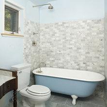 Rustic Bathroom by Mark English Architects, AIA