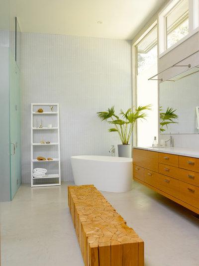 l ssig angelehnt leitern als handtuchhalter im bad. Black Bedroom Furniture Sets. Home Design Ideas
