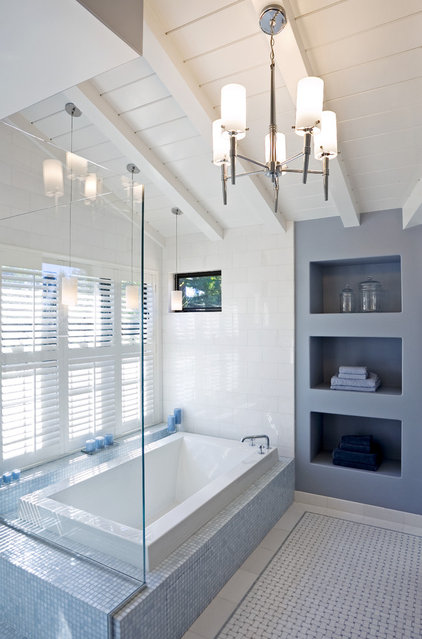 Modern Bathroom by Martinkovic Milford Architects