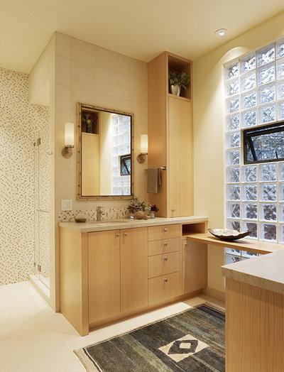 Современная классика Ванная комната by Moroso Construction