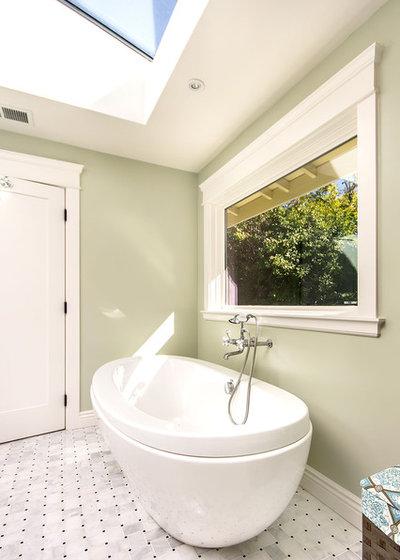 Craftsman Bathroom by Studio S Squared Architecture, Inc.